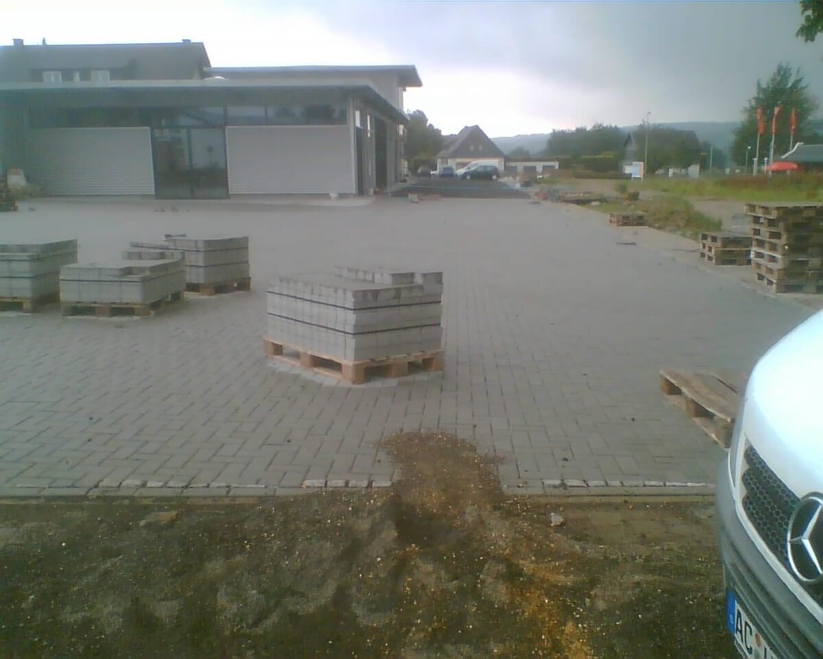 Pflasterarbeiten Industrieparkplatz