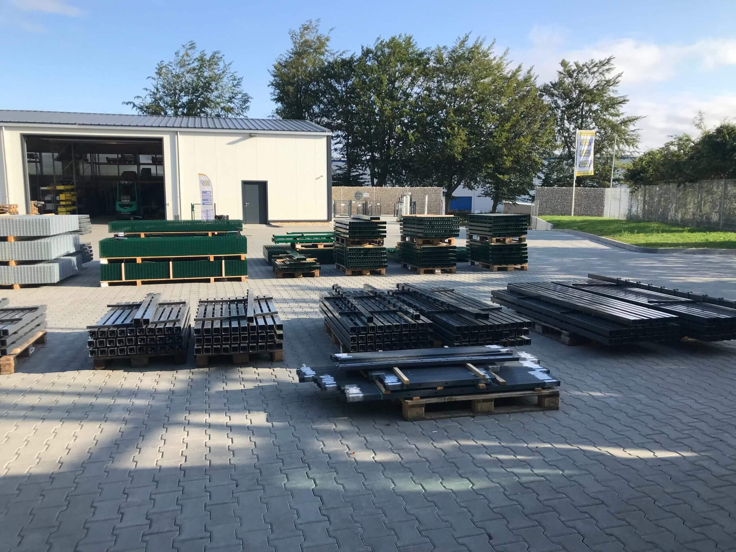Schacht garden A1 ZaunPartner Logistikzentrum Rückseite